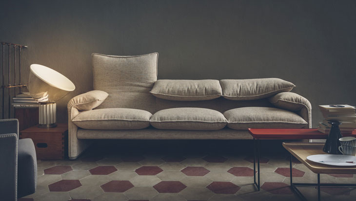 How an icon is born: the Maralunga sofa by Vico Magistretti for Cassina