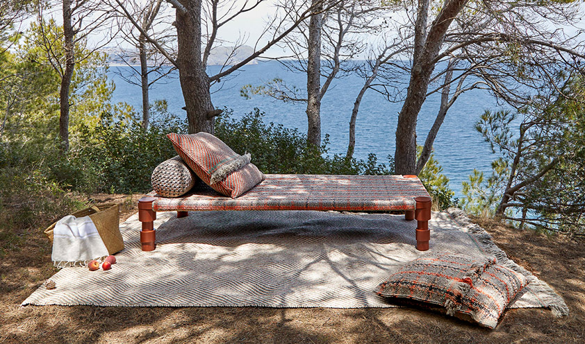 Outdoor trend: refined palettes for textiles and accessories