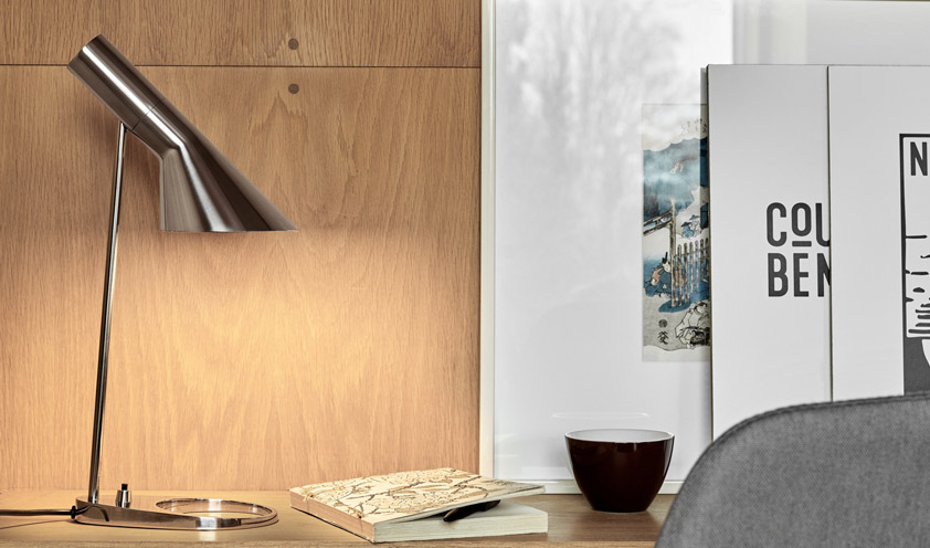 60 anni e non sentirli: Louis Poulsen celebra la collezione AJ di Arne Jacobsen